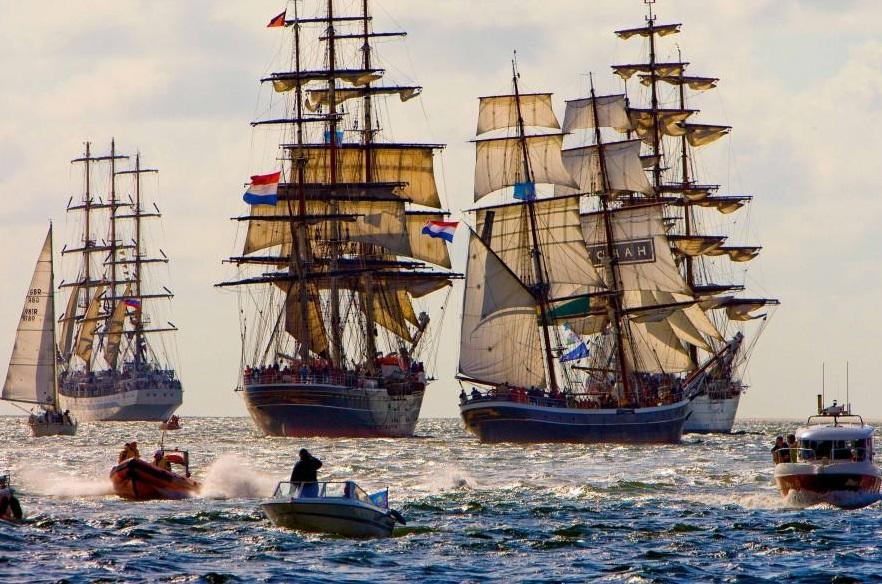 Нидерланды - Парад судов в Амстердаме  19–23.08